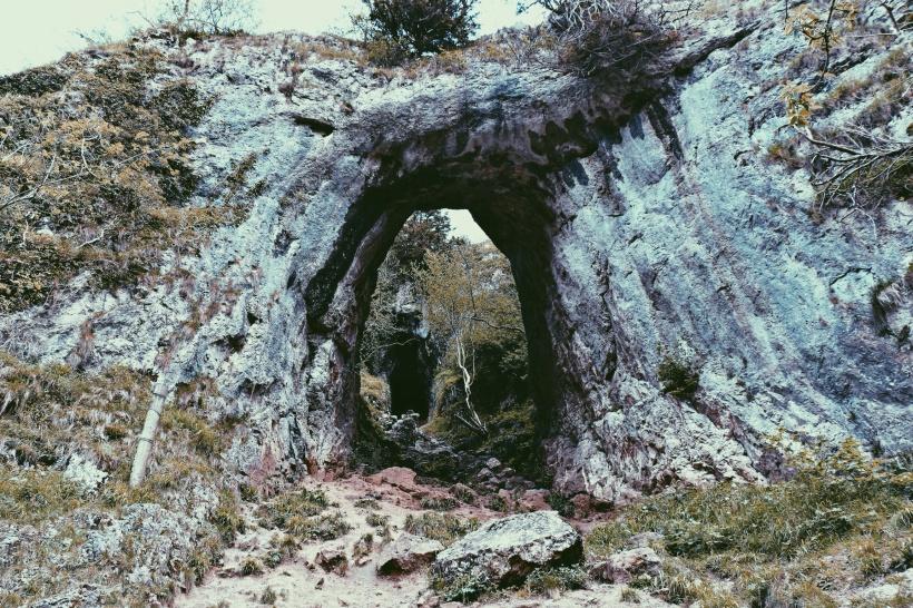 nature-mountain-path-tunnel (2)